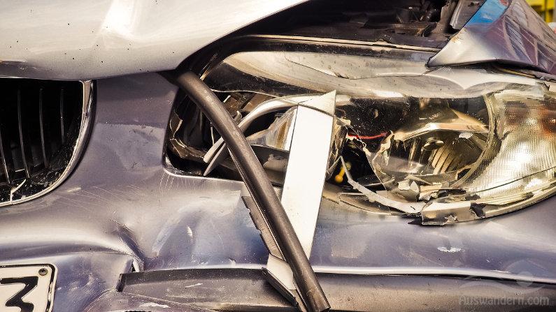 Auto Motor Unfall und Versicherung in Spanien
